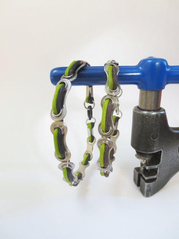 Fahrrad-Schmuck, Fahrräder, Fahrradzubehör, Fahrrad Kettenschloss und Leder-Armband, Upcycled Schmuck