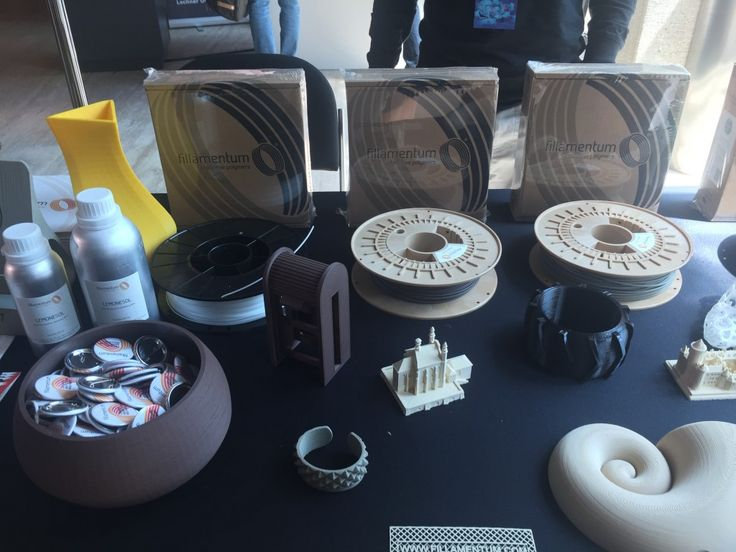 Fillamentum Launches New Wood and Crystal Clear 3D Printing Filaments