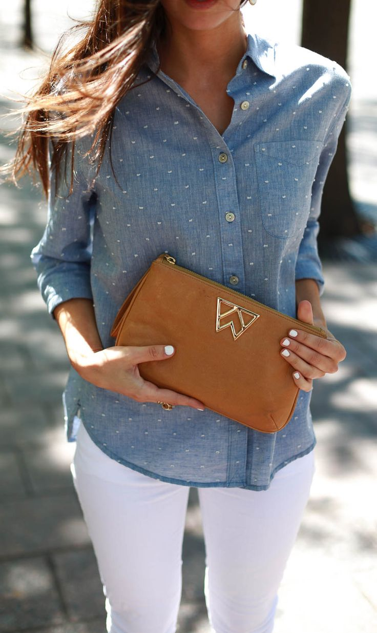 Loving this look with a Kelly Wynne clutch. Shop the local designers handbags at the AFW Marketplace!