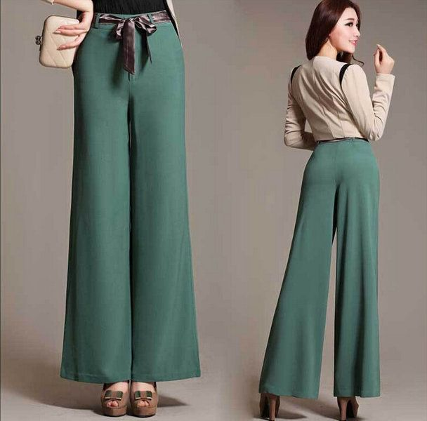 ELEGANCE IS ALL YOU NEED TO CARRY...WALK LIKE A LADY IN THIS BEAUTIFUL GREEN PALAZZO PANTS WITH A ROSE COLORED SHIRT AND CUTE CLUTCH..PAIR IT WITH STILETTOS AND EARRINGS...PERFECT LOOK FOR ANY PARTY.. #PERFECT#ELEGANT#PARTY LOOK..#BE STYLISH AND SIMPLE AT THE SAME TIME #SATISFIED