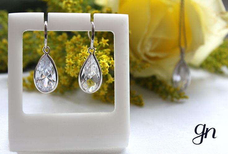 Elegancia a tu alcance. Set en zirconia blanca que te encantará. |  Conoce más en nuestro Facebook. www.facebook.com/joyeriagn