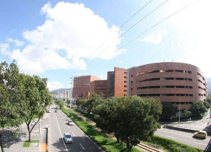 Nuestro Instituto está ubicado en la Asociación Médica de los Andes que reúne a algunos de los más reconocidos médicos del país  www.felipeamaya.com www.cirugiadenariz.com #InstitutoFelipeAmaya #CirugíaPlásticaYTratamientosNoQuirúrgicos