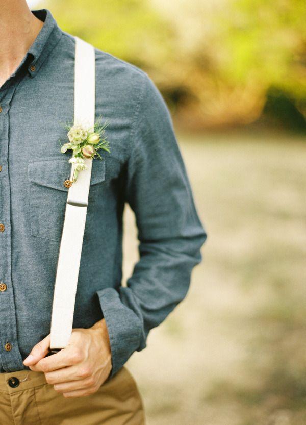Love groom and groomsmen in suspenders!