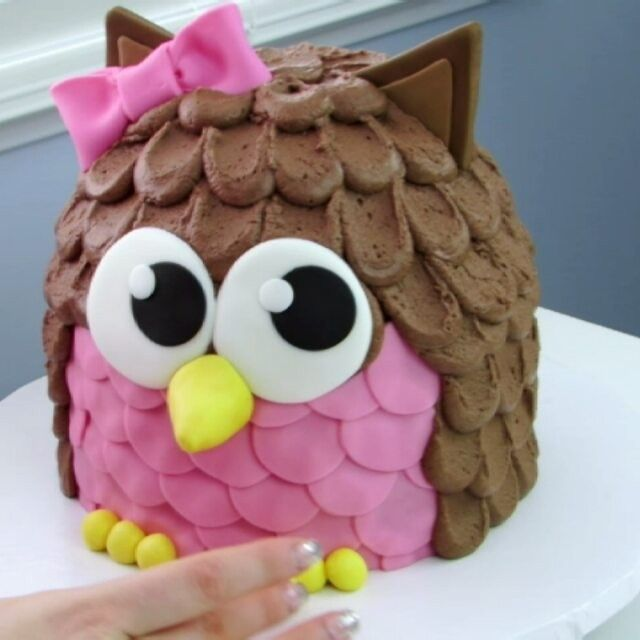 Love how CUTE this cake came out!  Link in bio to recipe and full video! Follow @theicingartist.laurie for more caking it videos!  #owl #cake #animal #bird #cartoon #cute #adorable #lovethis #babygirl #babyshower #birthday #party #diy #howto #dessertstagram #cakelove #Cakestagram #recipe #yum #foodie #fondant #buttercream #cupcake #chocolate #theicingartist