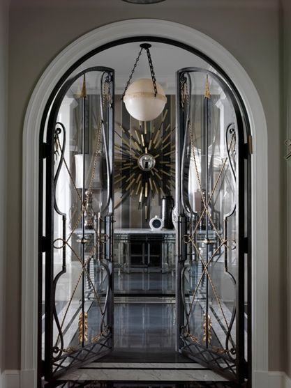 Organic shaped entrance door frame by Jean Louis Deniot for an Classical design decor. & 15 best Air Lock images on Pinterest | Double entry doors Antique ... pezcame.com