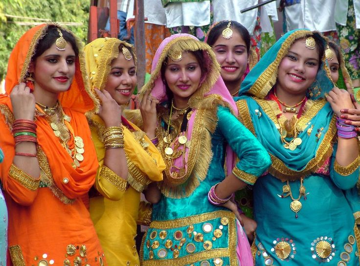 All ready to to giddha, a dance form from Punjab.