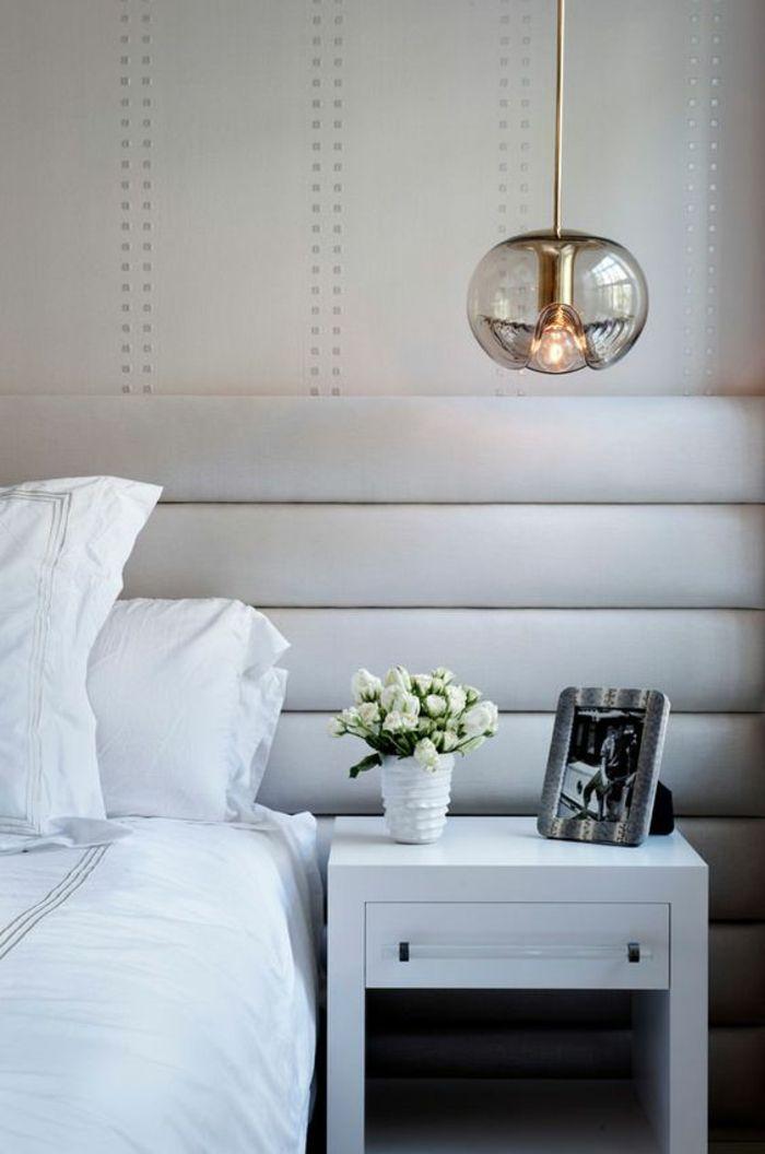 1001 Idees Pour Une Lampe De Chevet Suspendue Dans La Chambre A Coucher Chambre A Coucher Monochrome Deco Chambre Parents Chambre A Coucher