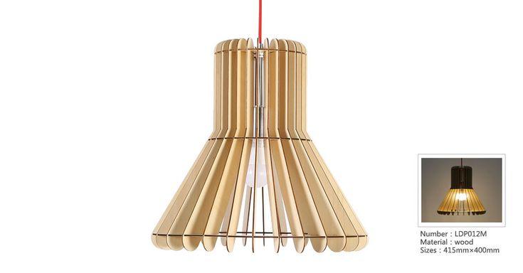 Originálne závesné drevené svietidlo z kolekcie iWood je moderným doplnkom do Vášho obydlia. Dokáže oslniť svojim nadčasovým umeleckým dizajnom a prírodným dreveným materiálom. Svietidlo z kolekcie iWood je umeleckým dielom. Je výnimočné a originálne. Toto moderné drevené svietidlo je vhodné do každej miestnosti, do každého priestoru. Vyžaruje silu prírody a poskytuje perfektné detaily spracovania.