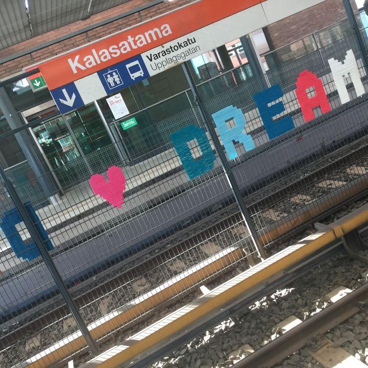 Yarnbomb inspiration <3 www.concreatives.fi