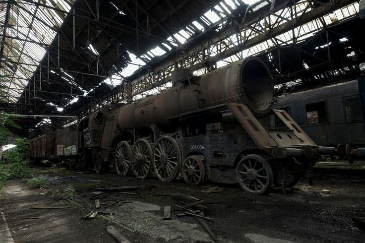 Also termed the Red Star Train Graveyard, the abandoned Istvantelek railway workshop in Budapest is said to house abandoned rolling stock used during WW2.