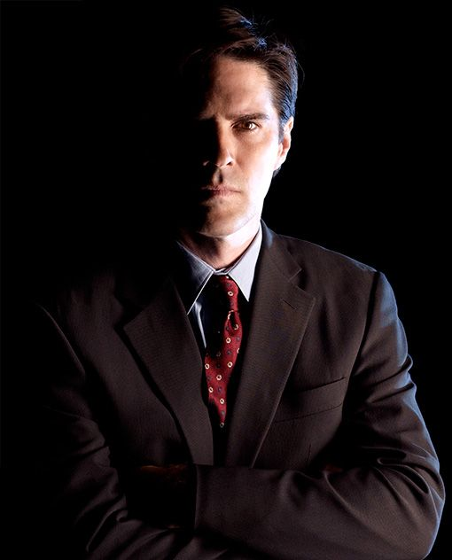 Thomas Gibson. I've been watching Dharma and Greg, it's amazing how different Hotch is! This guy can do anything <3