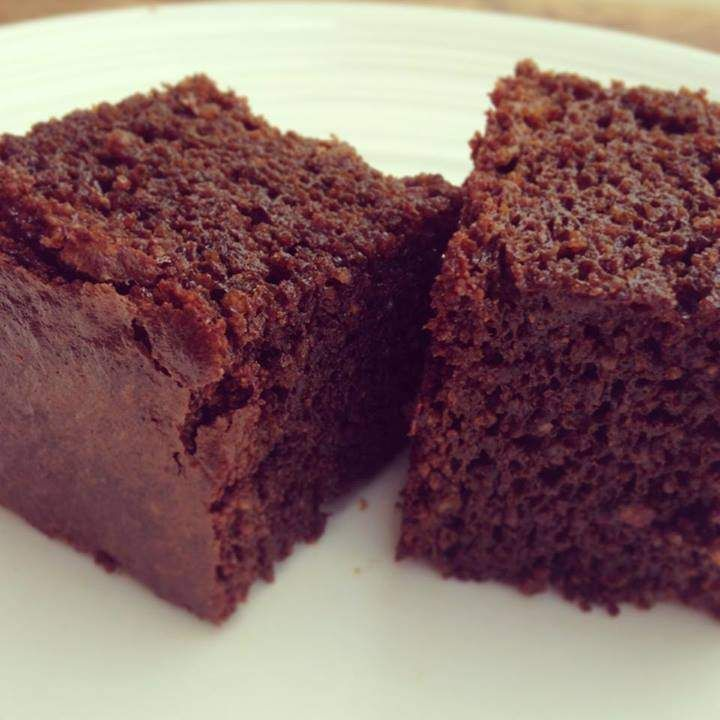 Paleo Gingerbread Cake by Skinnymixer