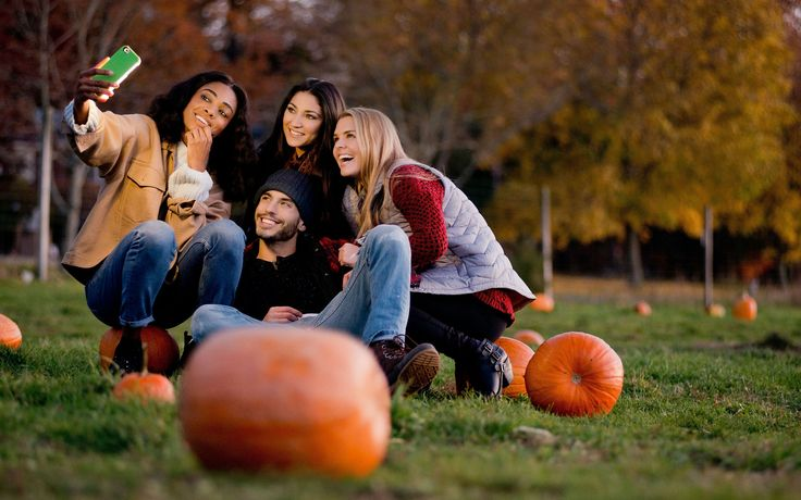 Heading to #Fall activities? Don't forget your LuMee case!