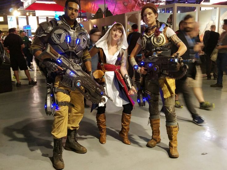 Gears of War & Assains Creed Cosplay @ PAX Prime 2016