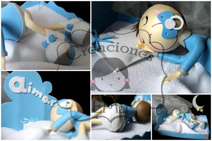 Fofucho bebé realizado para bautizo, con camita personalizada y nombre incluido. Para ver el álbum de fotos completo: https://www.facebook.com/media/set/?set=a.1633782053515233.1073741842.1559147797645326&type=3