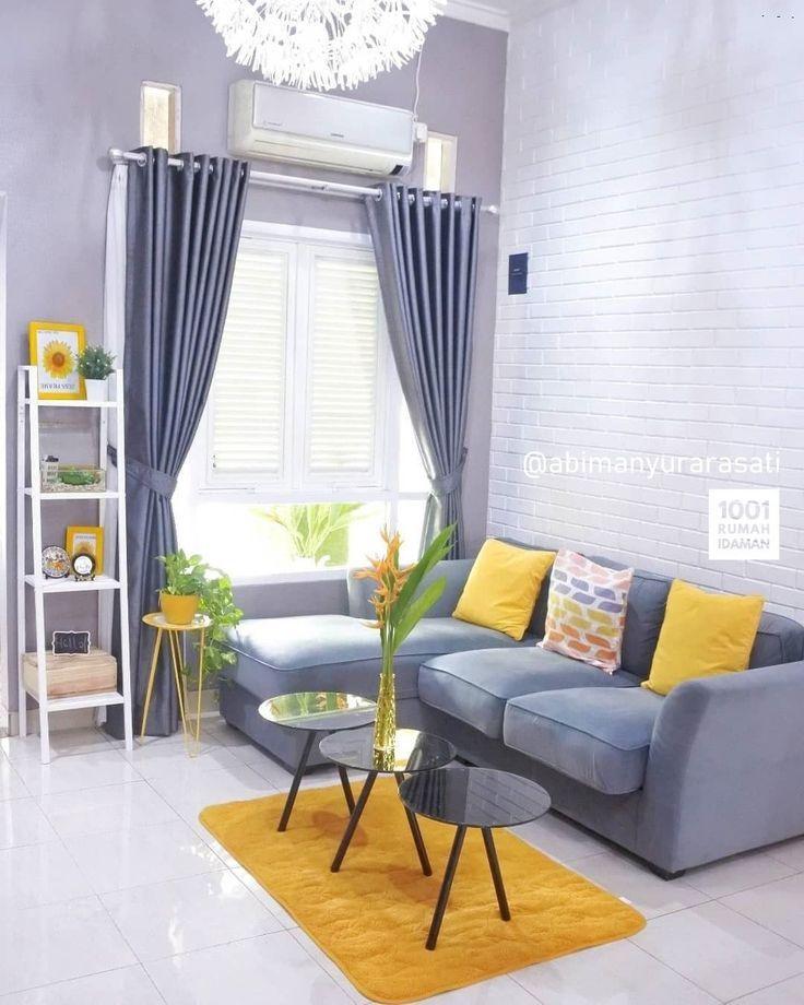 Ruang tamu canteeq! Yang suka yellow mana suaranya? 💛💛🙋 . . 🔁 Follow @1001rumahidaman 📷 Follow @abimanyurarasati . . #kursitamu #ruangtamu…