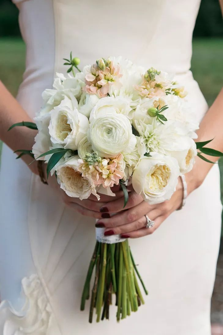 Букеты невесты под платье айвори