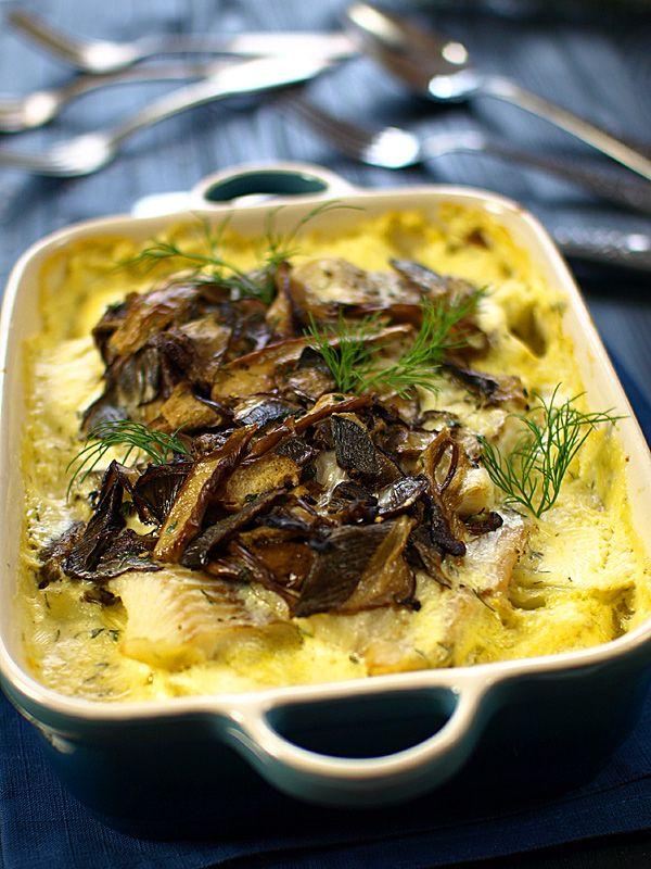 Zapiekana ryba z śmietance z ziemniakami i suszonymi grzybami