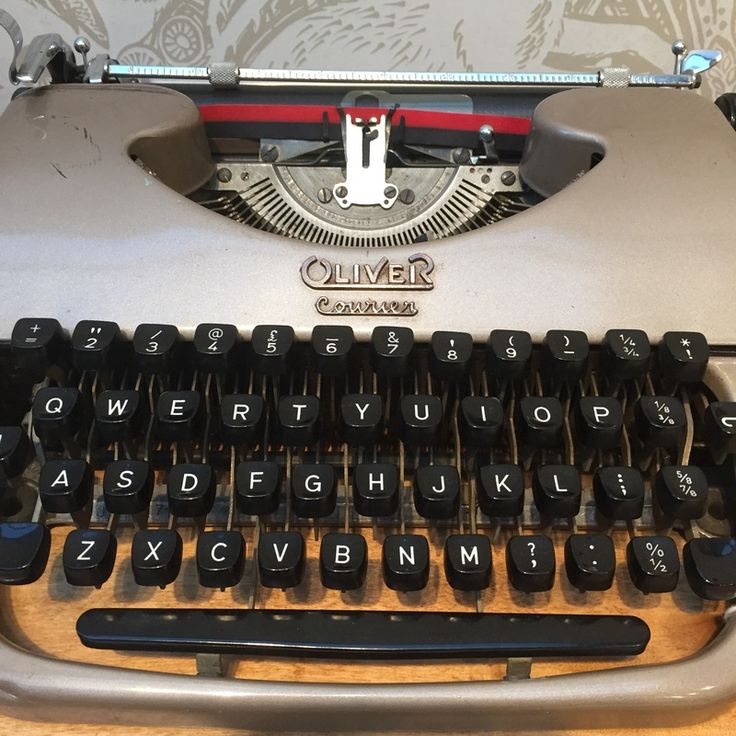 Vintage Typewriter For Sale 15