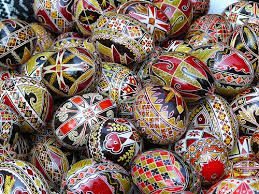 Traditional color eggs