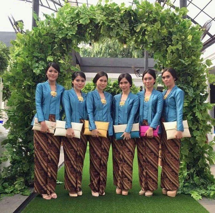 Model Kebaya Seragam Biru Trend 2016 Pernikahan Acara Keluarga Pesta Resmi