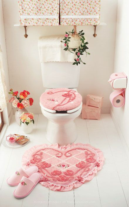 Cute pink heart toilet seat cushion cover, mat and bathroom accessories from Romantic Princess