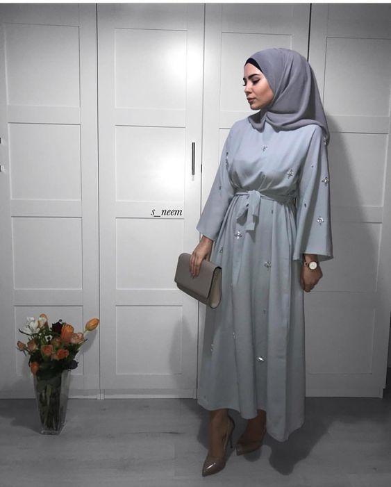 Modèles Hijab Chic Simple : 10 Hijabs simples et stylés