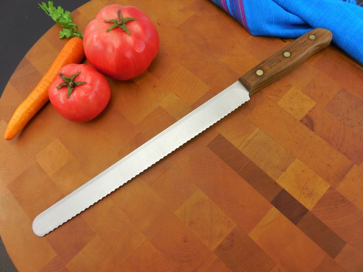 Chicago Cutlery Knives - Walnut Handle Stainless Steel Serrated Bread BT10