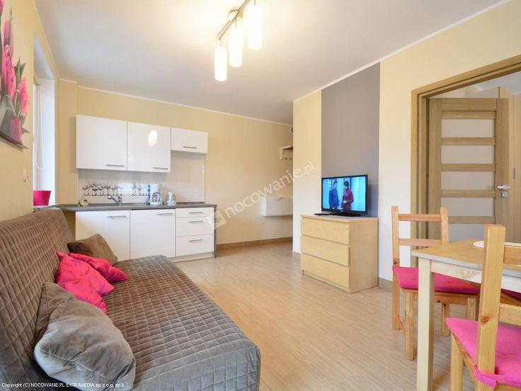 Polecamy sprawdzony obiekt w Polanicy Zdrój. Szczegóły oferty: http://www.nocowanie.pl/noclegi/polanica_zdroj/apartamenty/124203/