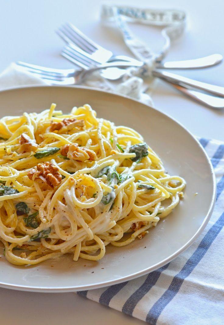 la pancia del lupo: Spaghetti con limone spinaci e noci