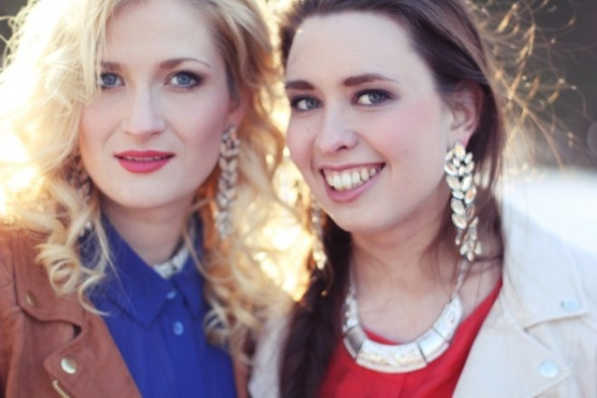 """Bloggers """"Neonsystrarna"""" are wearing We Style-jewellery."""