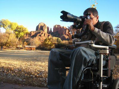 Recently, Loren Worthington tested the Mount'n Mover mounting system as the base for a wheelchair-mounted tripod and found it greatly improved his photography.