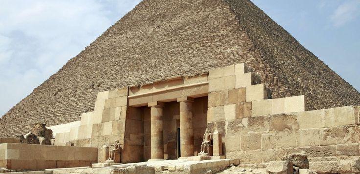 EGYPTE. Pyramide de Kheops : la chambre souterraine