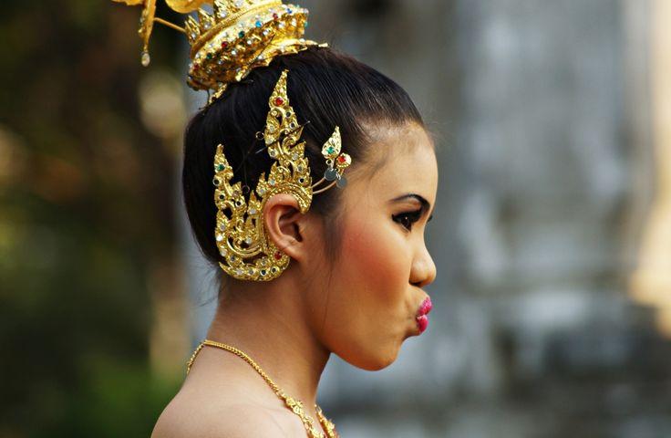 thai girl portrait | Traditional Thai Girl 3 von Christina Holthuis