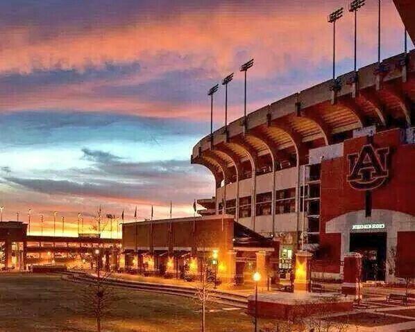 A Day Game today!  #WDE #Auburn #SEC #ADayGame #readyforfootballseason