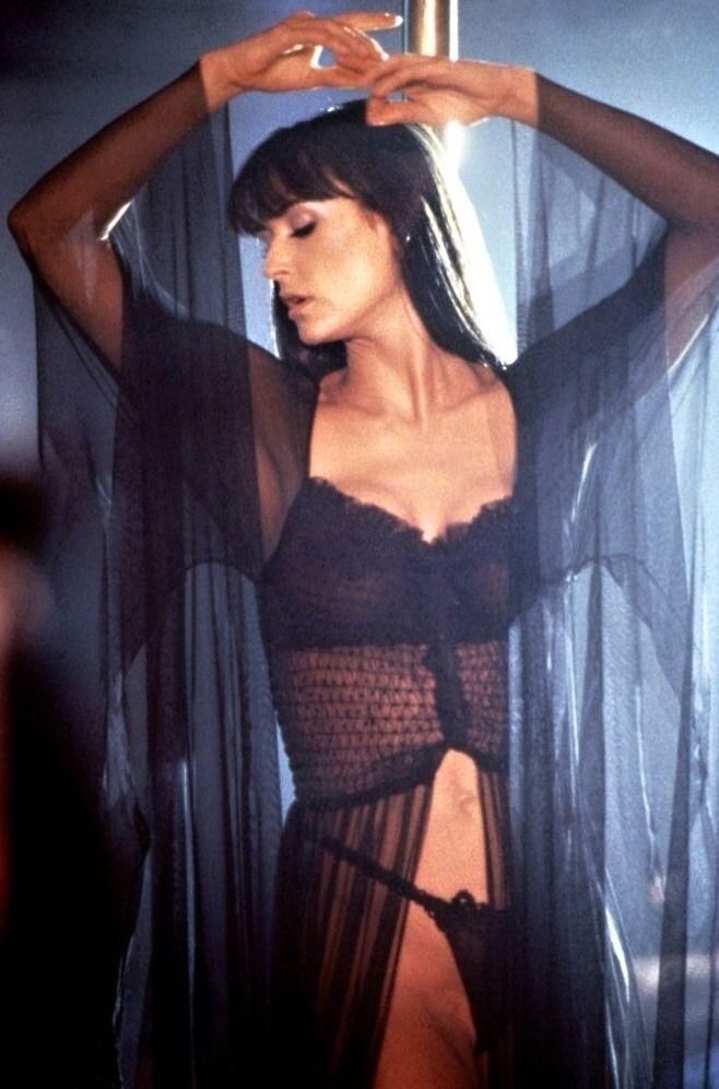 Demi Moore - Striptease, 1996.