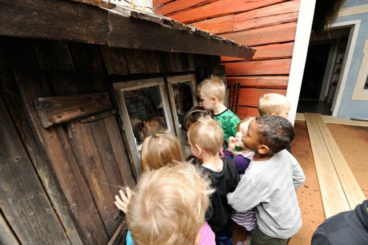 Lasten kaupungissa pääsee kurkistamaan menneisyyden Helsinkiin vielä maaliskuun 2014 loppuun asti, jolloin museo sulkeutuu remontin tieltä. Kuva: Helsingin kaupunginmuseo / Sakari Kiuru
