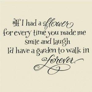Samen lachen is 1 van de belangrijke dingen  die maken dat je je aangetrokken voelt tot je partner.