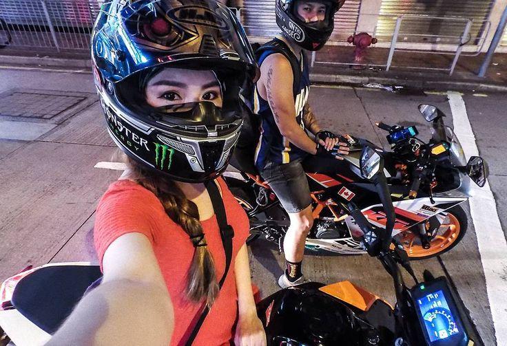 いいね!4,120件、コメント26件 ― It's Vaune Phanさん(@vaunephan)のInstagramアカウント: 「Night rides in Hong Kong with @billy_thelionking on the new KTM Duke 390 ! .…」