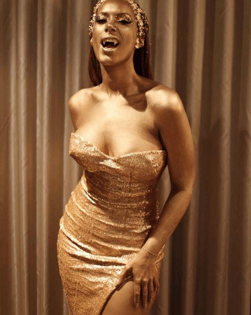 Sängerin Leona Lewis war bei einer Halloween-Party in Los Angeles auf Goldkurs.