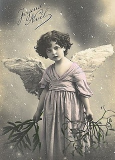 Christmas angel.: Chic Inspiration, Vintage Christmas, Christmas Angel, Shabby Chic, Christmas Vintage Photo, Angel Cards, Merry Christmas, French Vintage, Angel Vintage