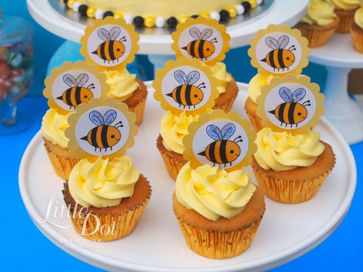 Bumble Bee themed cupcakes