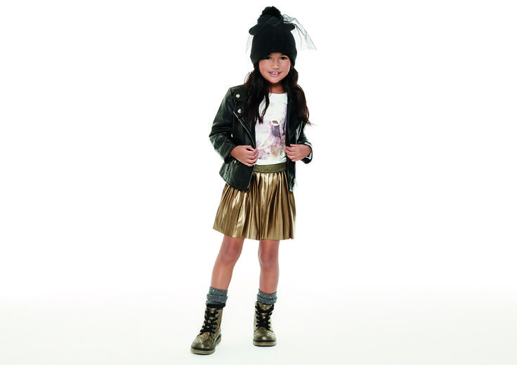 Sparkling&Rock mood. Golden skirt e plissé con chiodo in eco-pelle. Perfect for the party! #OVS #OVSaw15 #OVSkids #OVSchristmastime