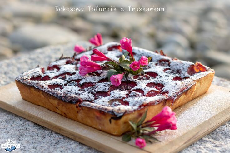 Kokosowy Tofurnik z Truskawkami / Tofu Strawberry Cheesecake