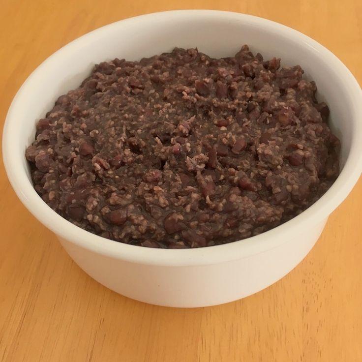 砂糖不使用!炊飯器でできる甘酒あんこ♡ 優しい甘さでまろやかな味わいのあんこです。 erinren erinren レシピを共有 つくれぽを送る Icon myfolder recipe add レシピを保存 材料 小豆250g 濃縮甘酒 一袋(330g) 作り方 1 小豆は軽く洗って一晩水浸しておく。 2 1の水を捨てたら炊飯器に小豆を入れ、水を2.5合の所に合わせ、おかゆコースで2回炊飯する。 3 2をすべてフライパンか鍋にあけ、甘酒を入れお好みのかたさになるまで煮詰める。冷めると重くなるので少し緩めくらいがいいです コツ・ポイント レシピの生い立ち 砂糖不使用のあんこが食べたくて。 レシピID:4850885 #甘酒 #小豆 #粒っこたち #あんこ #甘酒あんこ #ビーガン #ヴィーガン #ベジタリアン #餡子 #炊飯器 #簡単レシピ