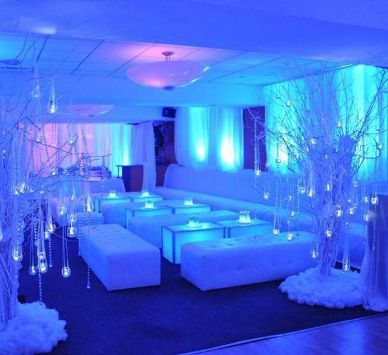 Atemberaubende Winterparty Winter Wonderland Party Set Up | Alfresco-Trends   – Outfit