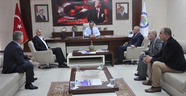 Belediye Başkanı Hüseyin Uysal, Ereğli'de ekmek fiyatlarına yapılan zam sonrası Esnaf Odası ve Fırıncı temsilcileriyle bir araya geldi.
