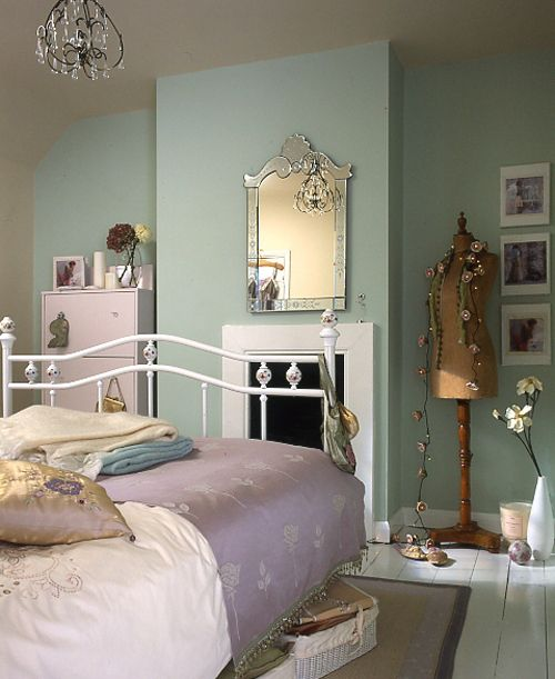 Unique Vintage Bedroom Ideas for Stylish Personality: Exotic Vintage Bedroom Ideas Blue Interior For Woman Design ~ angida.com Bedroom Inspiration