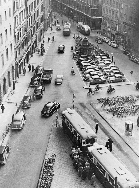 Brunkebergstorg med busstation, bil- och cykelparkering