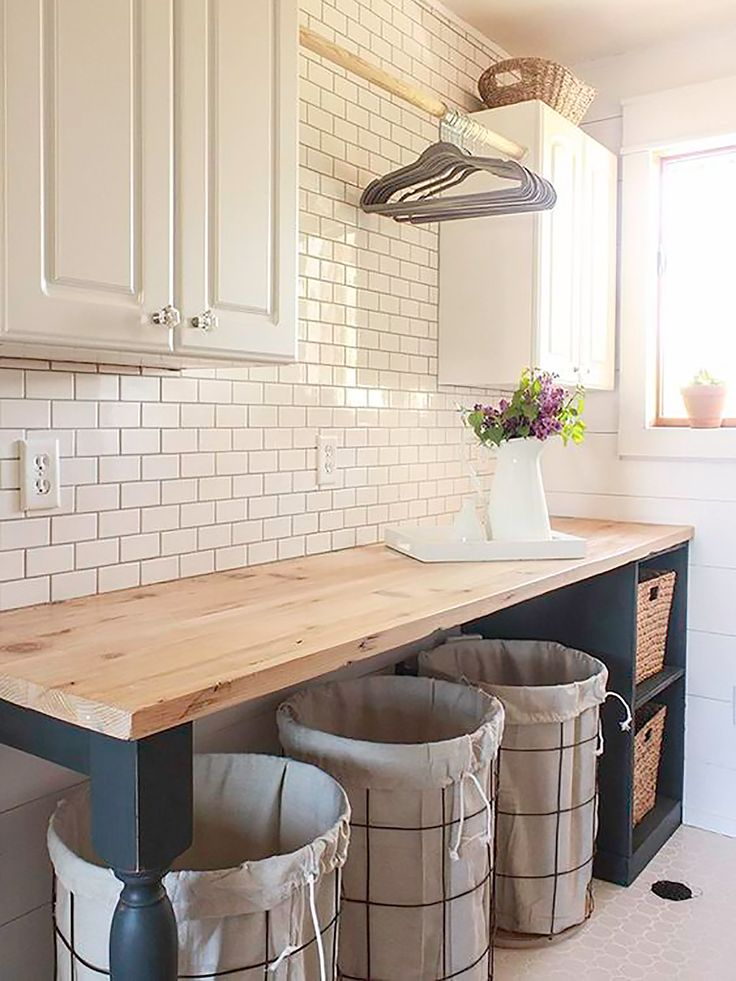 Rastreamos la Red en busca de las mejores ideas para crear una zona de lavandería en casa. Un lugar muy útil para todas las labores de lavado, planchado y limpieza que se puede conseguir a través de...